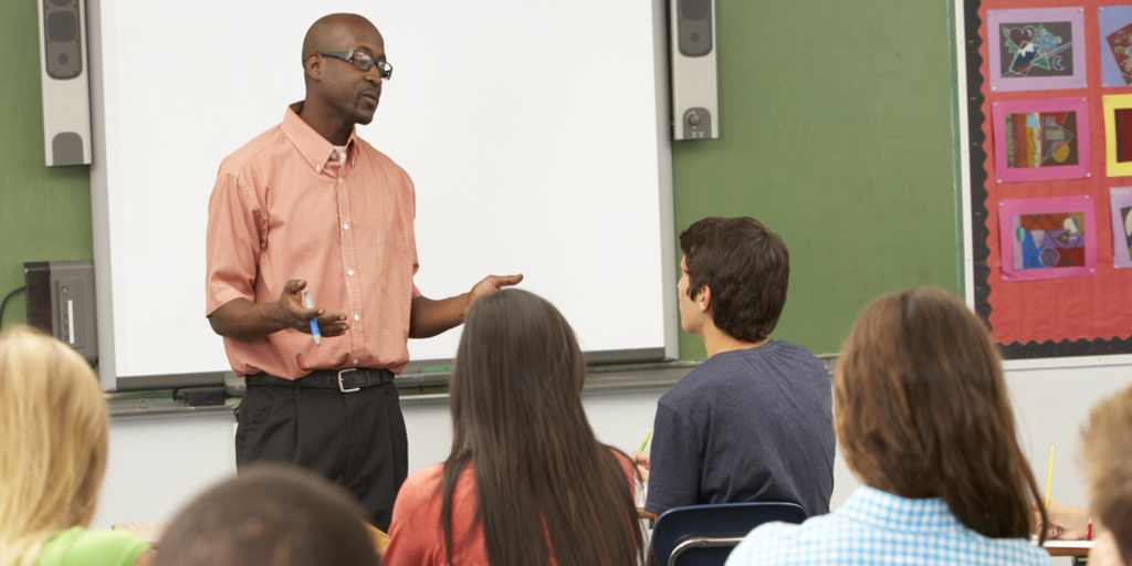 How Professors Can Master Presenting In The Classroom